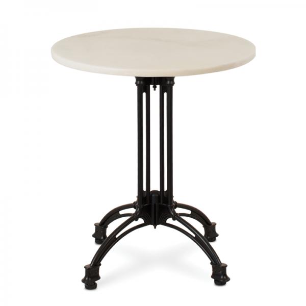 Con materiales nobles como el mármol puedes conseguir un ambiente más clásico… aunque si lo combinas con un pie de lineas rectas es perfecto para ambientes minimalistas!